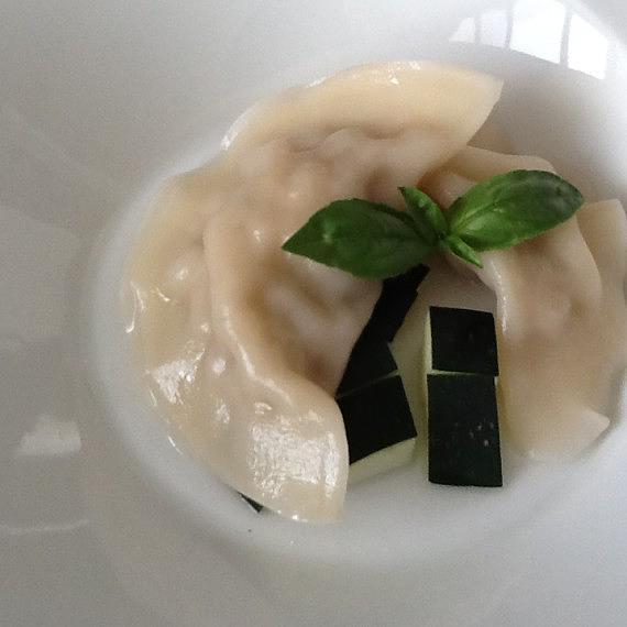 Sopa Thai de pescado con dumplings de gambas